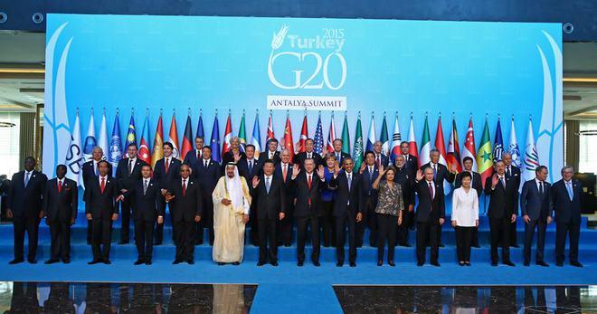 LİDERLER G20'DE AİLE FOTOĞRAFI ÇEKTİRDİ