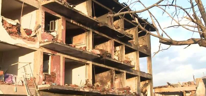 DİYARBAKIR'DA PKK'LILAR EMNİYET'E BOMBALI ARAÇLA SALDIRDI