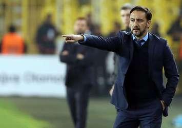 Fenerbahçe taraftarı Pereira'yı topa tuttu!