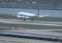Uçak fırtınaya yakalandı, havada korku dolu anlar!