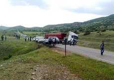 Diyarbakır'da teröristler yol kesti