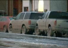 Otomobiller dondu, yollar buz tuttu