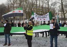 İsveç'te Putin ve Esad protesto edildi