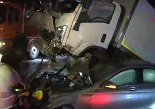 TEM'de kaza yapan kamyonet havalandı!