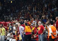 Galatasaray - Fenerbahçe maçında olay!
