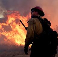 ABD'de yangın nedeniyle 82 bin kişi tahliye edildi!