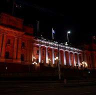 Avustralya'da bazı binalar Türk bayrağının renkleriyle ışıklandırıldı