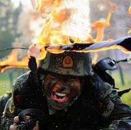 Çin'de askerlerin zorlu eğitimi