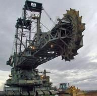 Dünyayı hayrete düşüren devasa iş makineleri