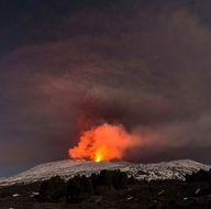 Etna Yanardağı'nda patlama: 10 turist yaralandı