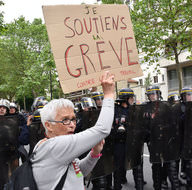 Fransa'da Euro 2016 grev nedeniyle tehlikede!
