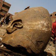 Mısır'da 3 bin 300 yıllık heykeller bulundu