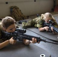 Norveç'ten kadınlara da zorunlu askerlik kararı
