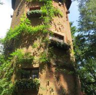 Su kulesini otele dönüştürdü
