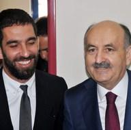 Arda Turan ile Bakan Müezzinoğlu protokol imzaladı