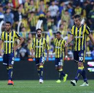 Fenerbahçe'de 3 oyuncu kadro dışı