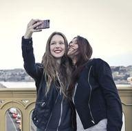 275 TL'ye profesyonel selfie arkadaşı