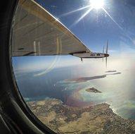 Bir damla yakıt kullanmadan 40 bin kilometre uçtu