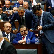 AK Partili vekiller Binali Yıldırım'ı böyle dinledi