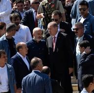 Cumhurbaşkanı Erdoğan'a çift makam araçlı koruma