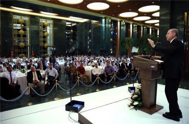Cumhurbaşkanı Erdoğan'dan esnaflara iftar
