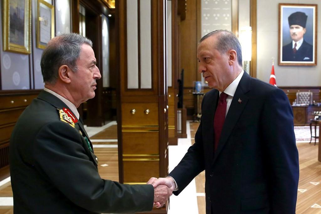 Cumhurbaşkanı Erdoğan'ın YAŞ üyelerini Beştepe'de kabul etti