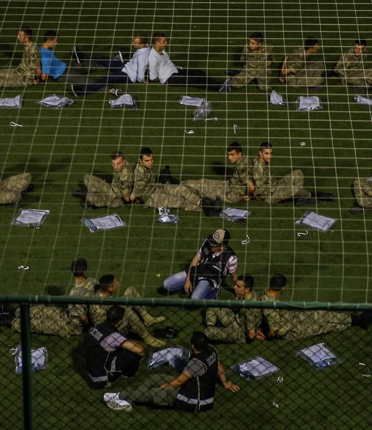 Cumhurbaşkanlığı Muhafız Alayı'nda tutuklanan hainler!