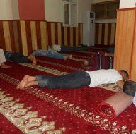 Derik'te sıcaktan bunalanlar camilere akın etti