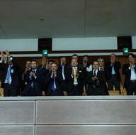 Kazan Belediye Başkanı Ertürk ve beraberindeki heyet kararı ayakta alkışladı