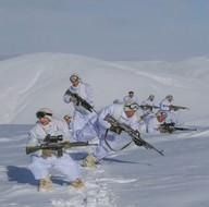 Mehmetçik 'dondurucu soğukta' vatanını savunuyor