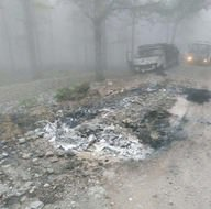 PKK'lılar kendilerine gıda almayan muhtarın aracını yaktı
