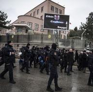 TBMM önünde izinsiz eyleme polis müdahalesi