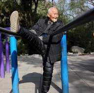 101 yaşında her gün spor yapıyor