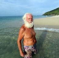 Bir zamanların milyoneri şimdi adada tek başına yaşıyor