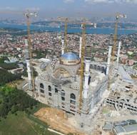 Çamlıca Cami'nde dev kubbenin beton dökme işlemi başladı