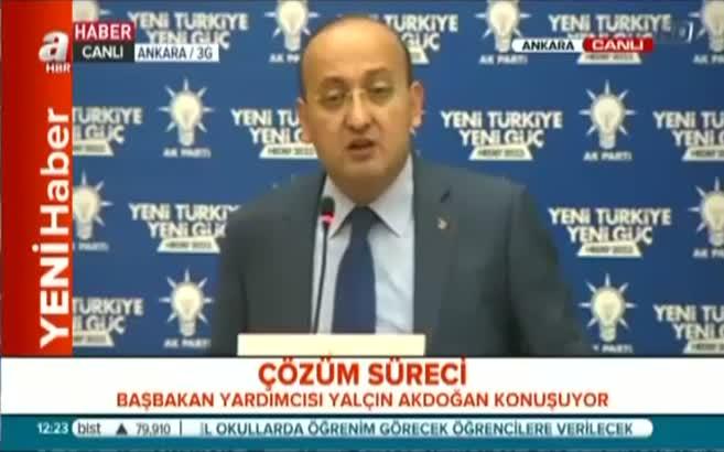 Akdoğan'ın sözleri salonu ayağa kaldırdı