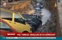 Yer yarıldı, araçlar yerin dibine gömüldü