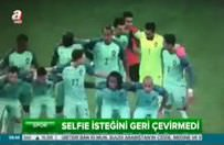 Ronaldo'yla selfie çekti