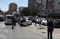 Kadıköy'de lüks araca silahlı saldırı: 1 ölü