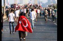 İsmail Türüt'ten ihanete türkülü tepki