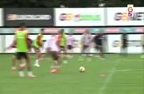 Sabri Sarıoğlu antrenmanda rövaşata golü attı!