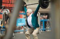 Olimpiyat Haltercisi Yaşlı Adam Kılığına Girerse