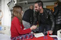 Barçalı futbolculardan hasta çocuklara ziyaret