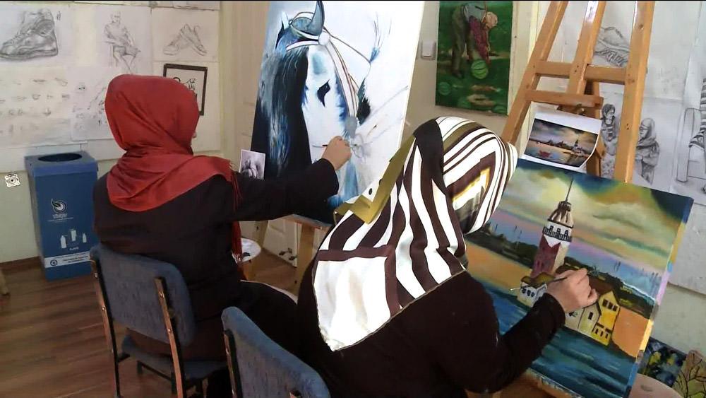 Ev kadınlığından ressamlığa...