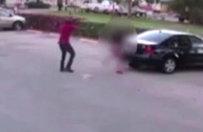 Kız arkadaşının yanında infaz edildi