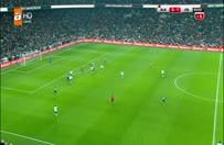 Vodafone Arena'da taraftar sahaya indi!